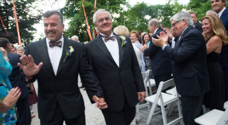 Congressman Barney Frank weds in same-sex marriage