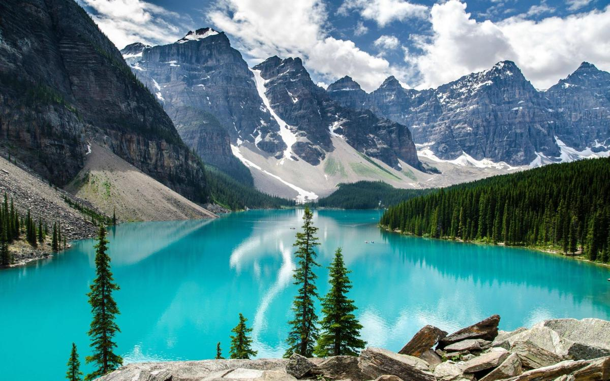 Moraine Lake [Beautiful Picture]