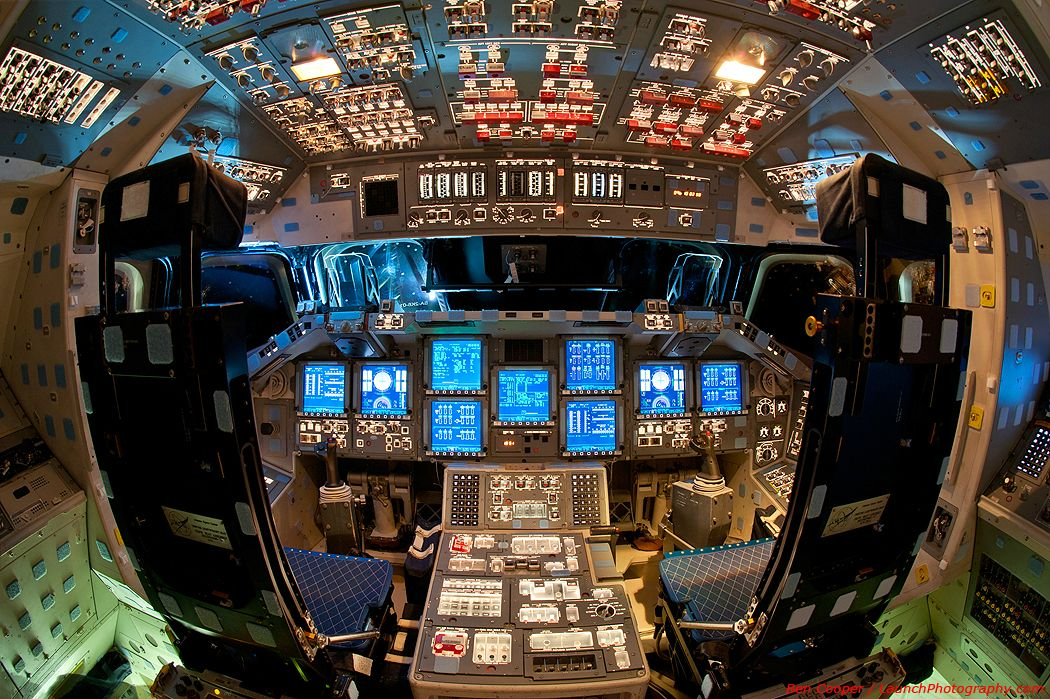 A View Inside Space Shuttle Endeavour's Flight Deck ...